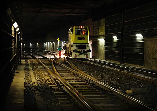 地下鉄の線路工事